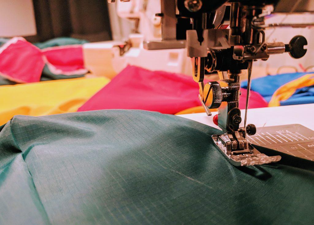 zespoł ripstop.pl szyje kurtki z ripstop nylon